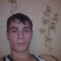 Симпатичный парень пригласит в гости девушку из Ульяновск