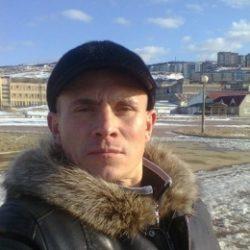Я русский парень из Ульяновск. Ищу девушку, подругу для встреч.